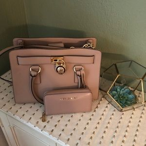 Michael Kors Hamilton satchel and wallet set